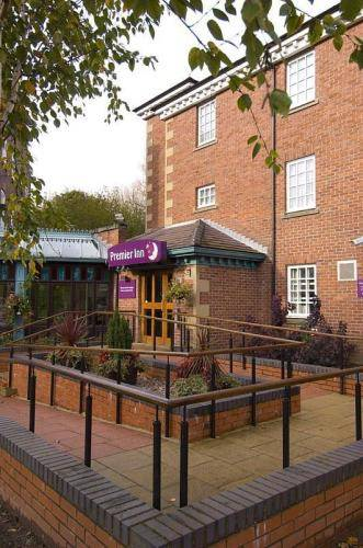 Premier Inn Stockport Central