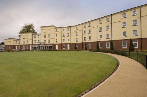 Premier Inn Stoke (Trentham Gardens)
