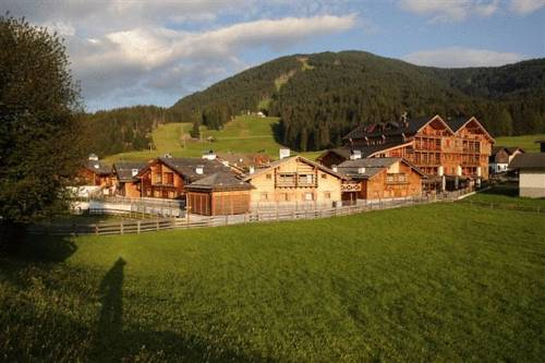 Post Alpina - Family Mountain Chalets