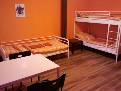 Vadgesztenye Youth Hostel