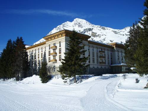 Rifugio Alpino Maloja Palace - Hostel - Weekly & Monthly Discounted Rate
