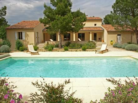 Holiday Home Maison Les Fauvettes Mazan
