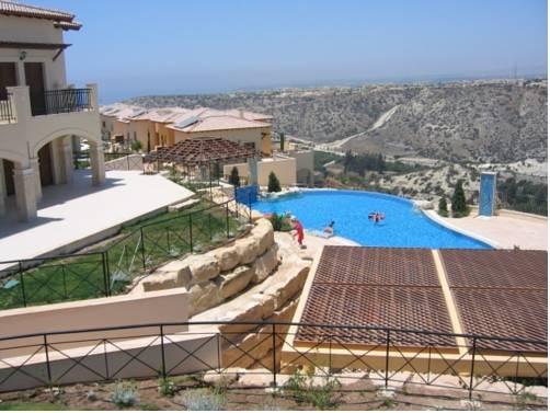 Aphrodite Hills Zephyros Apartments