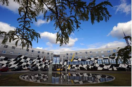 Hotel etropolis Motorsport Arena