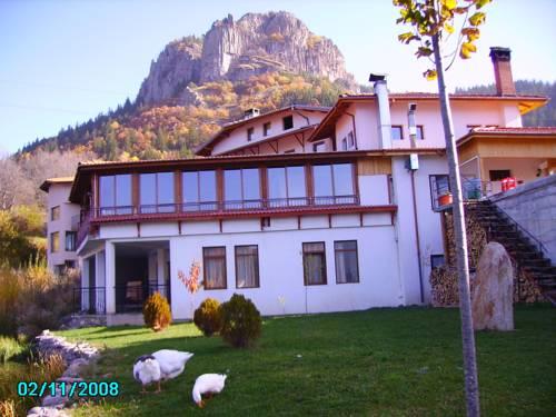 Ribkata Family Hotel