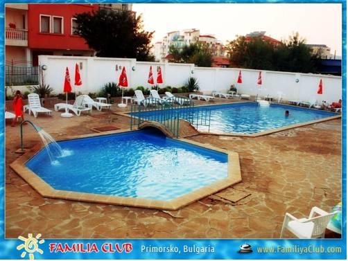Familiya Club Hotel