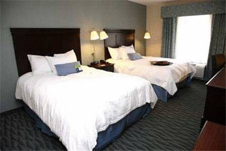 Hampton Inn and Suites Syracuse-Erie Boulevard