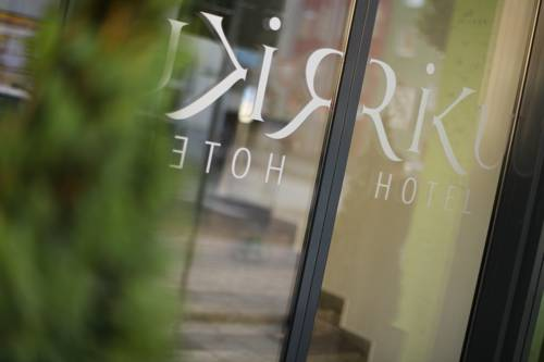RiKu Hotel