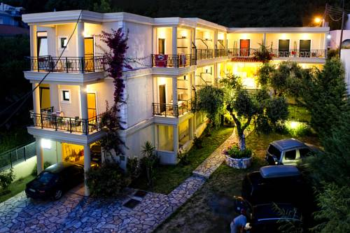 Hotel Loukas & Apartments