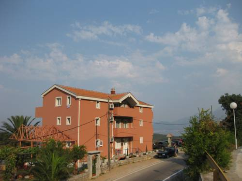 Apartments Drobni Pijesak