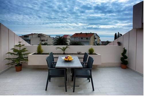 Apartments Petrovac
