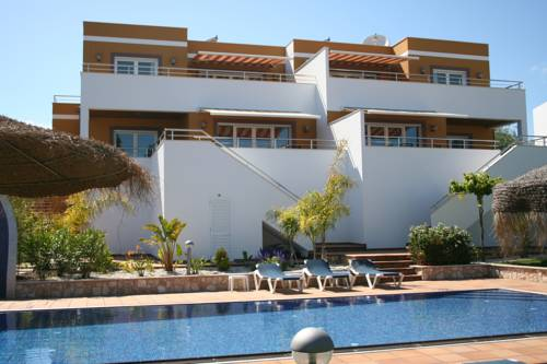 Pine Tree Apartments - Sesmarias