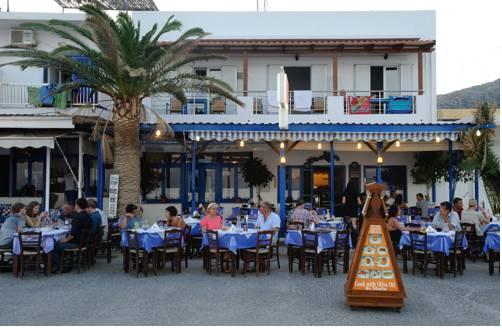 Manolis & Marias Hotel