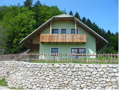 Vaznik Farm House Apartments
