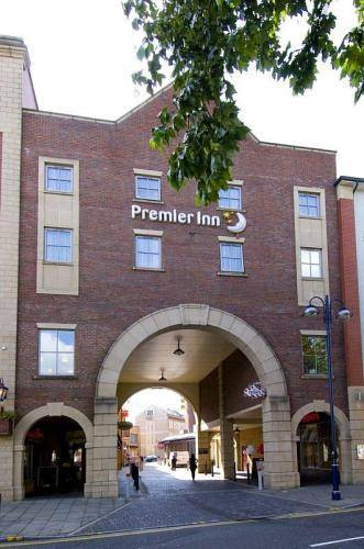 Premier Inn Swansea City Centre