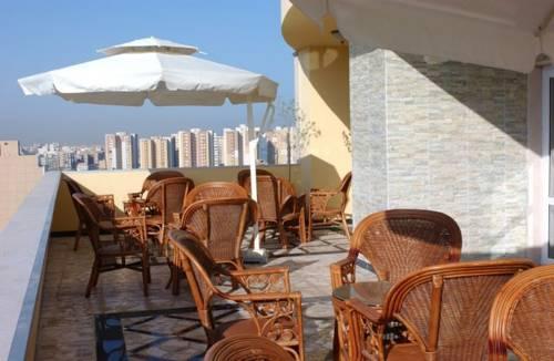 Al Okhowa Hotel