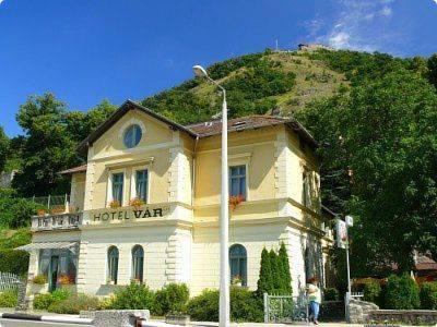 Hotel Var Kastelyszallo