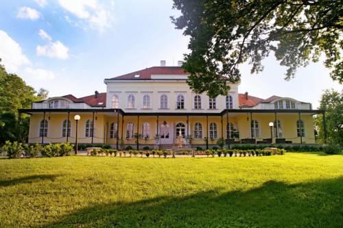 Chateau Földvary Hotel