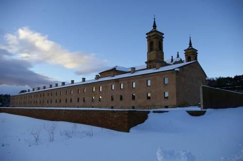 Hospederia Monasterio San Juan de la Peña