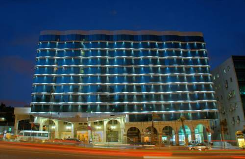 Al Fanar Palace Hotel and Suites