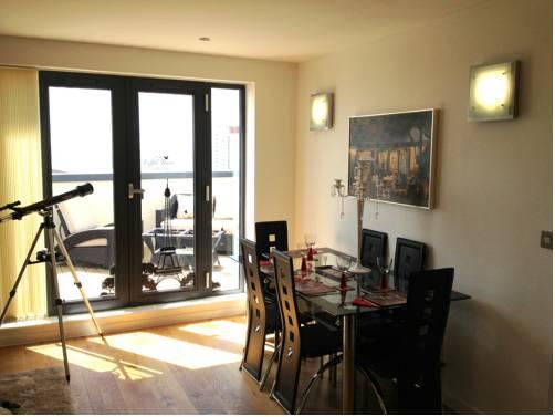 SA1 Penthouse Apartment - Maritime Marina