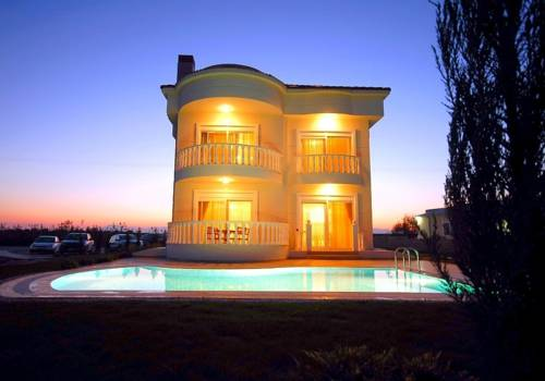 Belek Villa & Family House