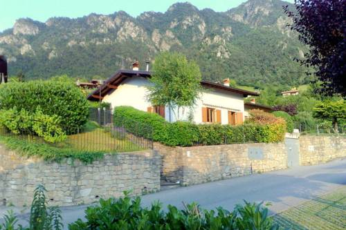 Holiday Home Lucia Due Idro