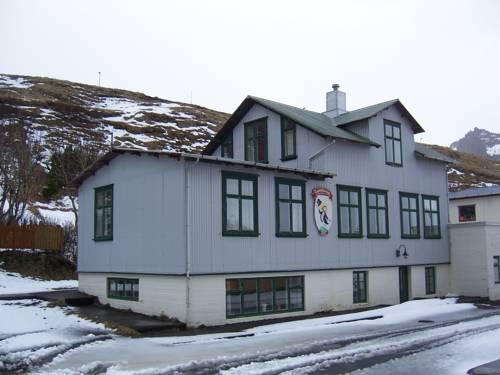 Puffin Hostel