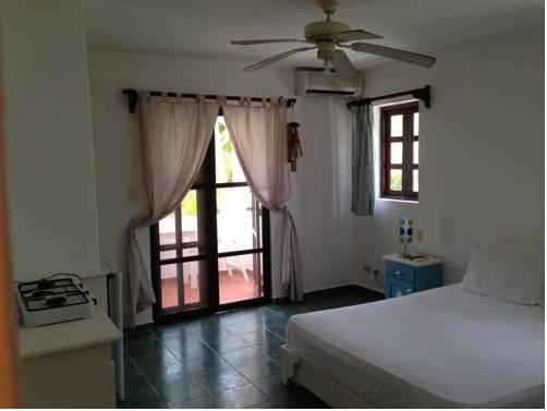Hotel Affordable Villas Los Corales Beach