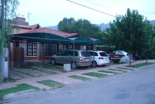 Hosteria y Cabañas Un Camino en el Cipres