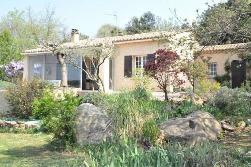 Holiday Home Entre Garrigue Et Chateau La Capelle Et Masnolene