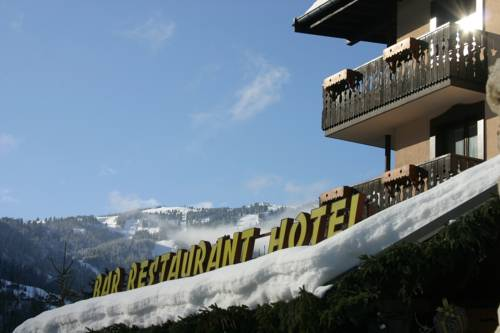 Chris-Tal Hotel