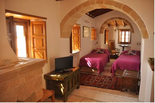 Malvasia Traditional Hotel