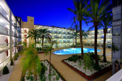 Las Gaviotas Suites Hotel