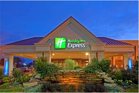 Holiday Inn Express Lynbrook-Rockville Centre