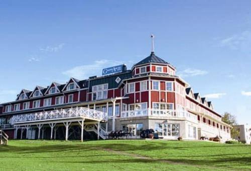 Grand Arctic Hotel