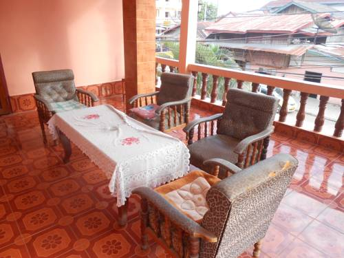 Khamphone Guesthouse