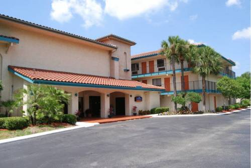 Howard Johnson Inn & Suites Jacksonville