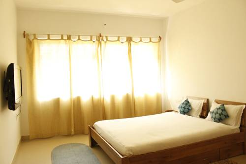 Laurent & Benon Luxury Service Apartment - Bandra (West), Mumbai