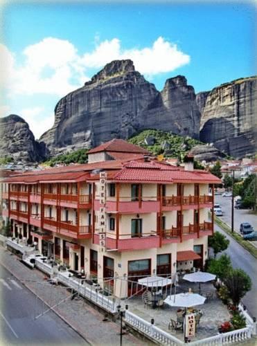 Famissi Hotel