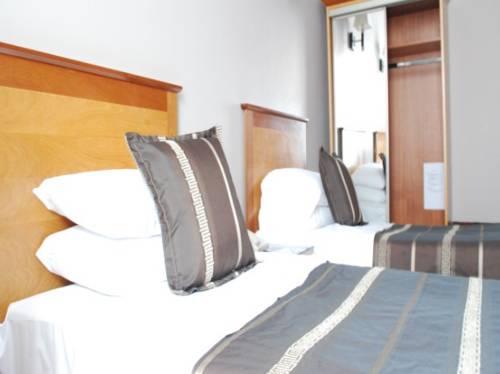 Fitzsimons Hotel