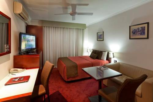 Ensenada Motor Inn and Suites