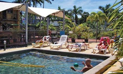 Cairns Work and Play Backpackers