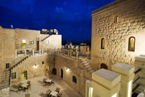 Kasr-i Nehroz Hotel
