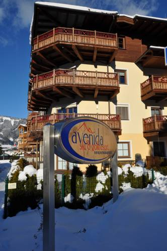 Avenida Ski & Golf Resort by Alpin Rentals