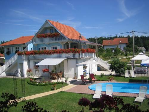 Pool Apartments Plitvice Lakes
