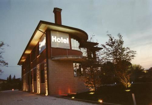 Hotel Angi