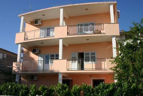Apartments Jure Miljak