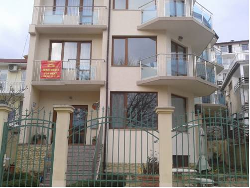 Izgrev Apartments