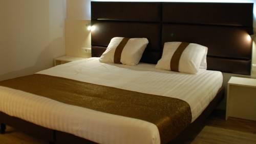 Zaan Inn Hotel